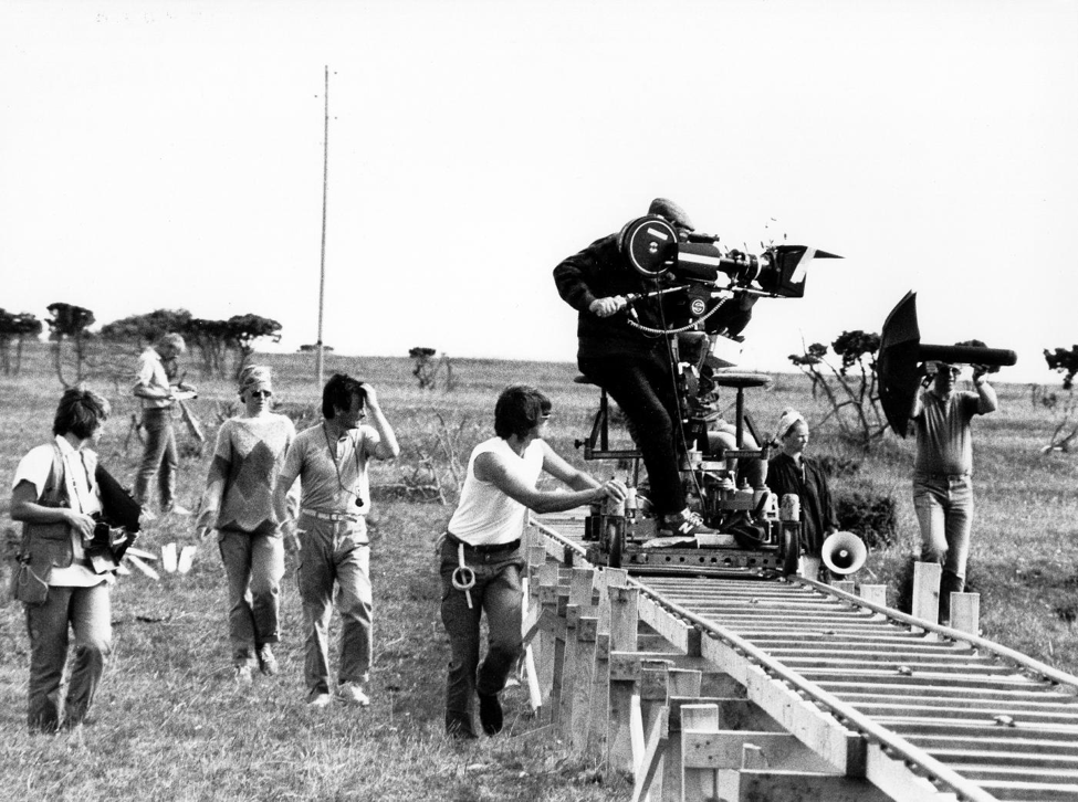 example of how a tracking shot is made